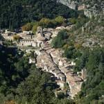 640px-Saint-Guilhem-le-Desert_vue3